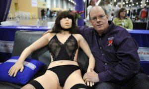 Ян Пирсон и секс-игрушка из будущего